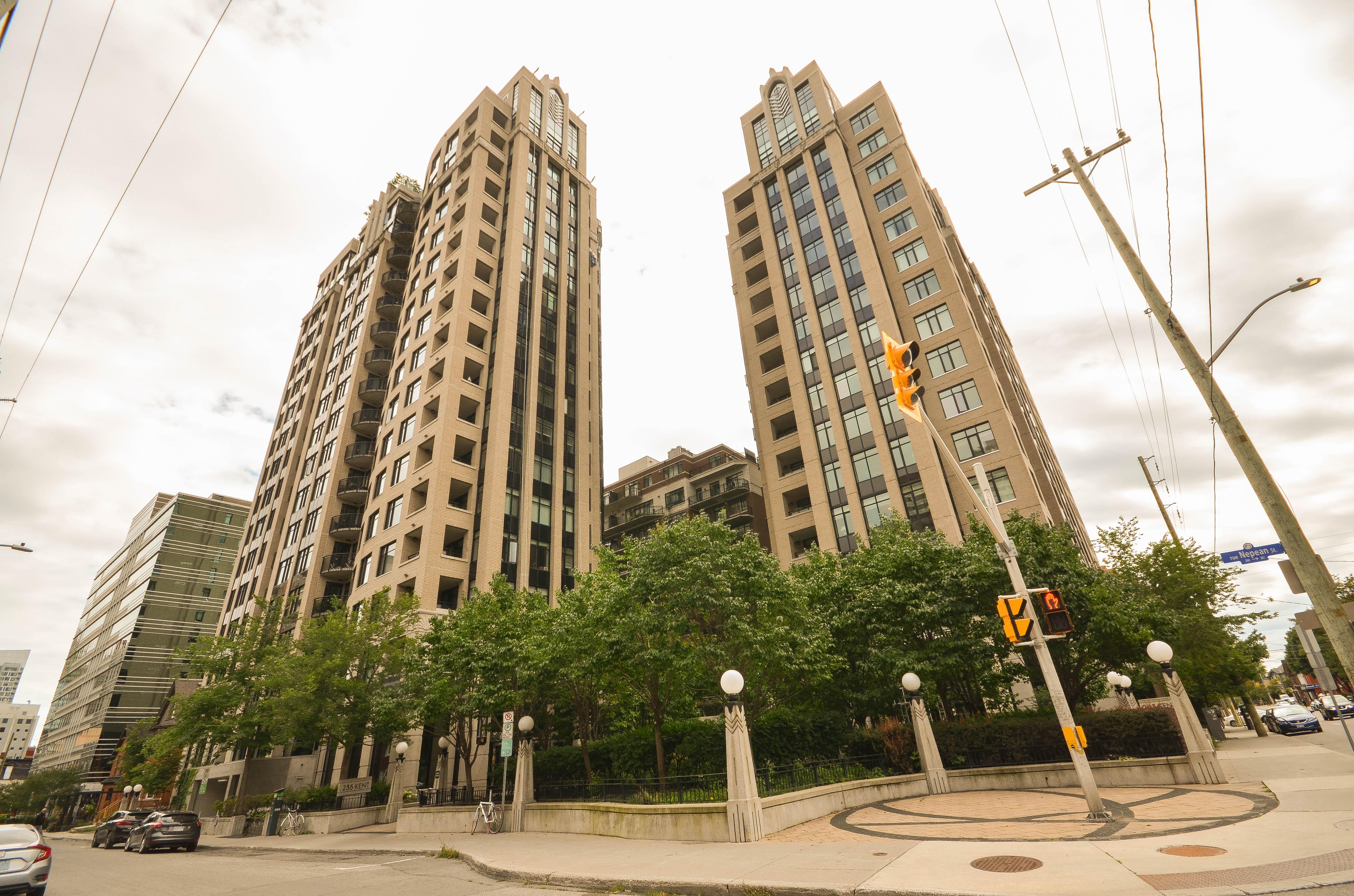 245 Kent St #1505, Ottawa, Ontario