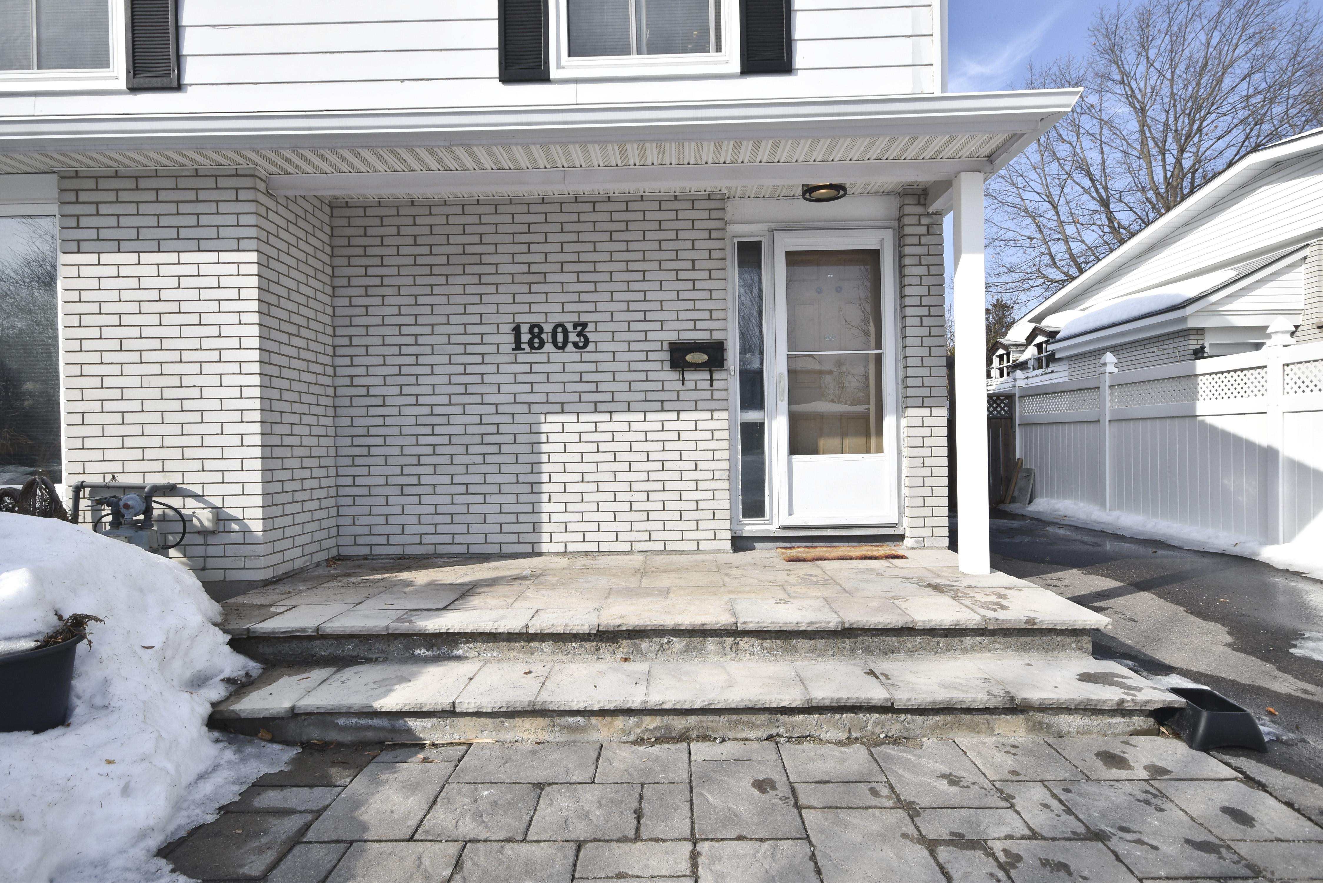 1803 Cloverlawn Cres, Ottawa, Ontario  K1J 6V6 - Photo 2 - RP2234913375
