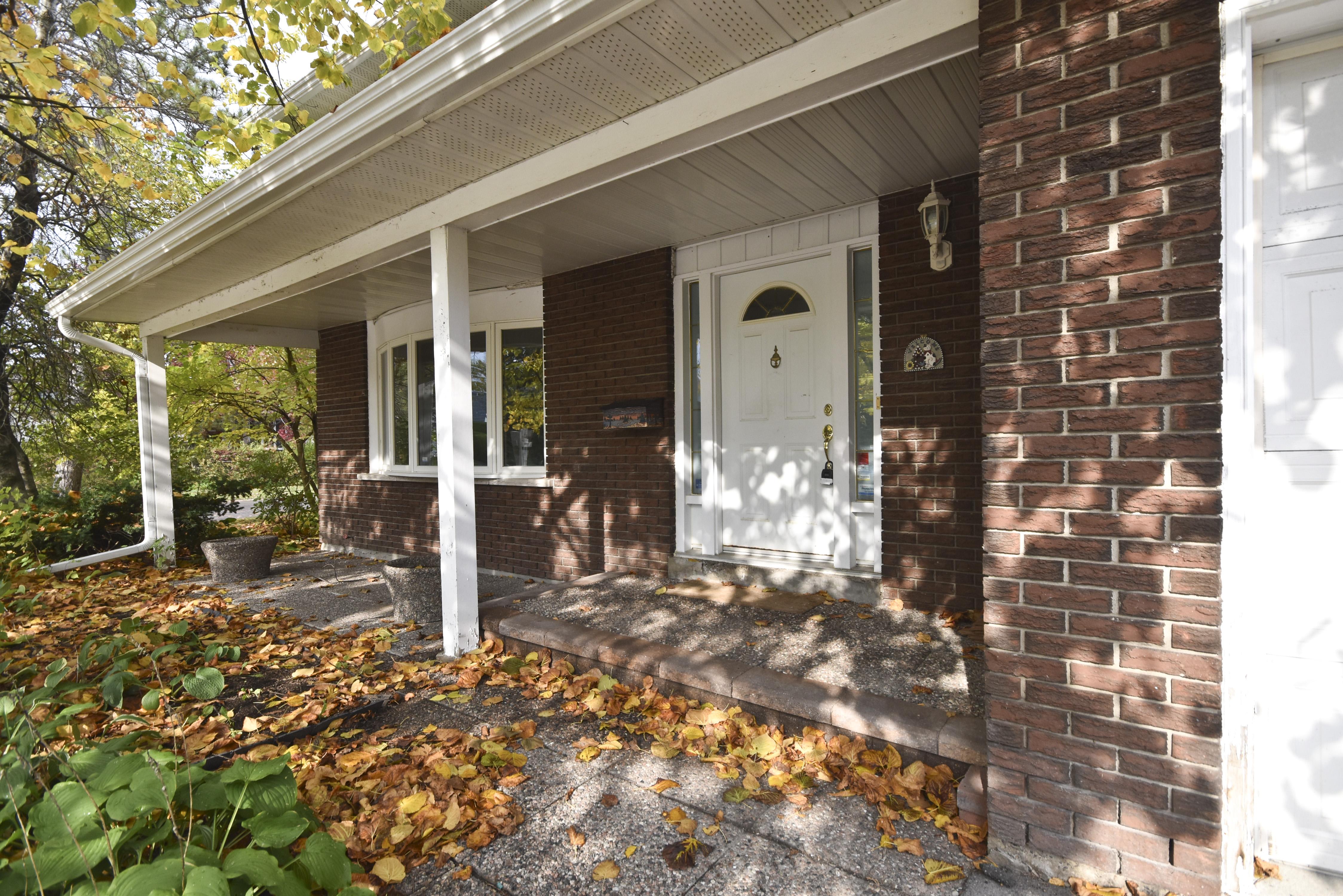108 Eastpark Dr,  , Ottawa, Ontario  K1B 4C9 - Photo 2 - RP9439046259