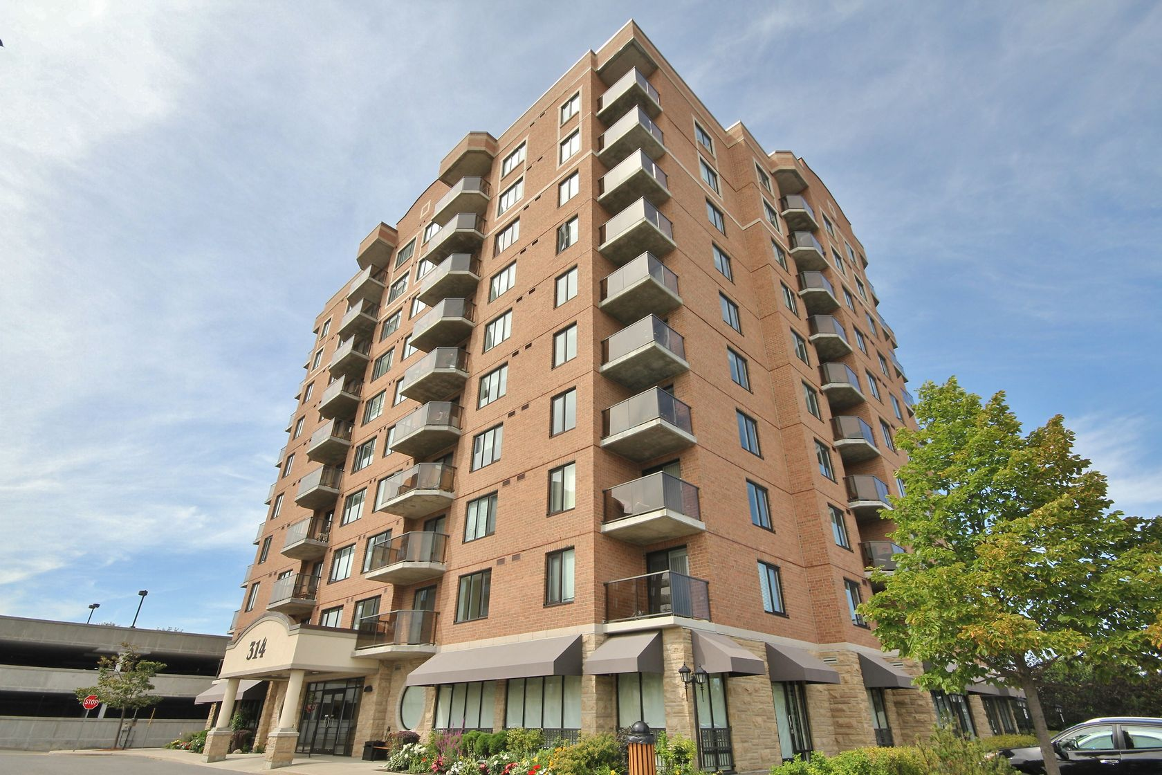 314 Central Park Drive #212, Ottawa, Ontario