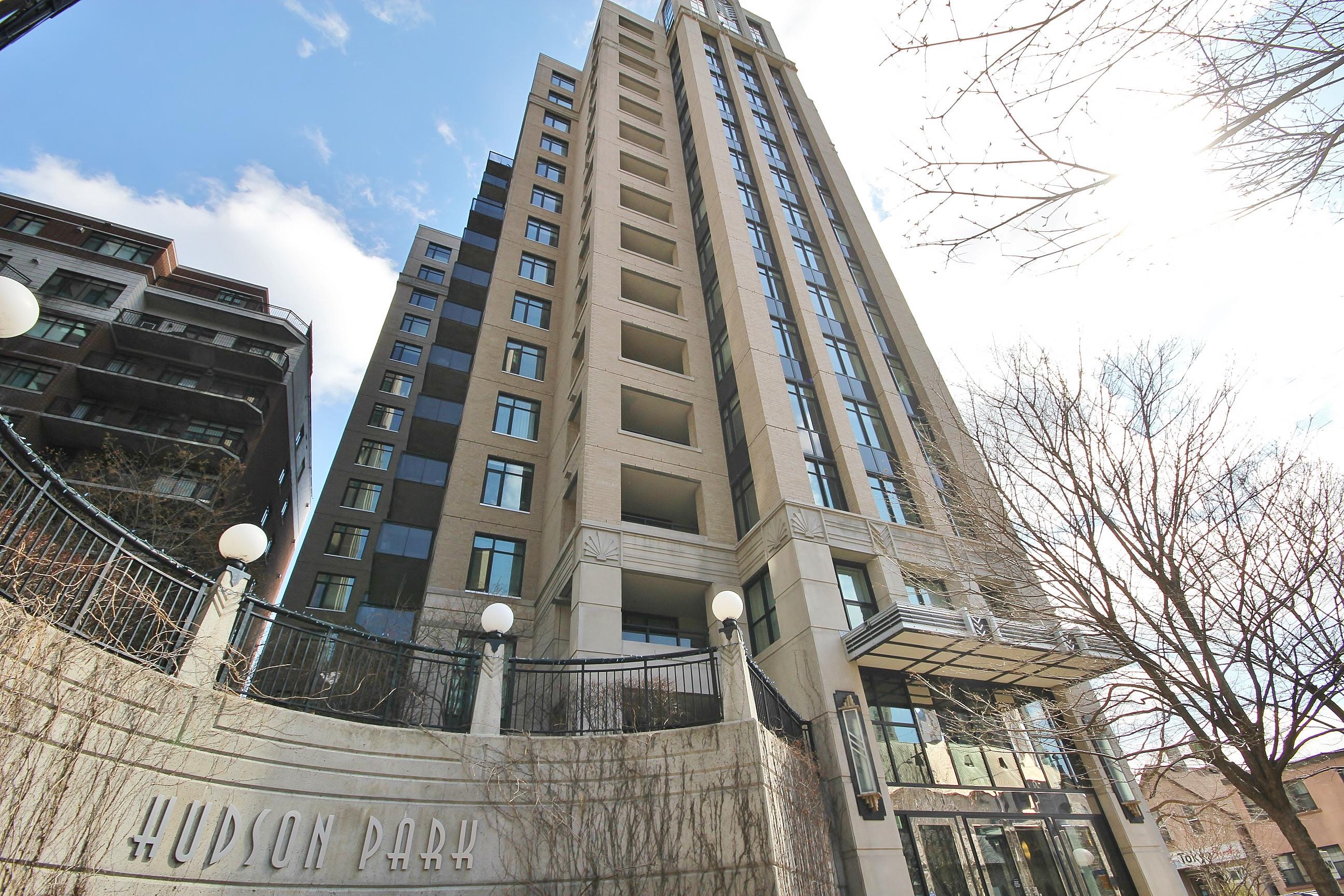245 Kent St #1504, Ottawa, Ontario  K2P 0A5 - Photo 2 - RP3714253832